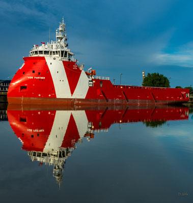 Spiegelung im Fischereihafen