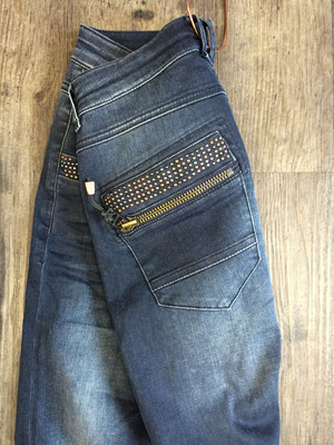 MOSMOSH Jeans Naomi Troks 160 €