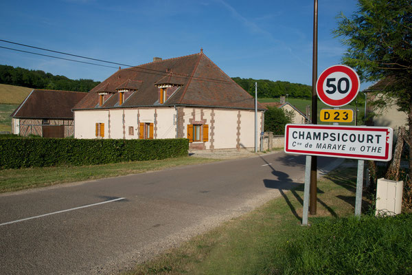 hameau de Champsicourt sur la D23