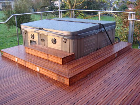 Terrassen-Deck und Whirlpool-Verkleidung, Bambus