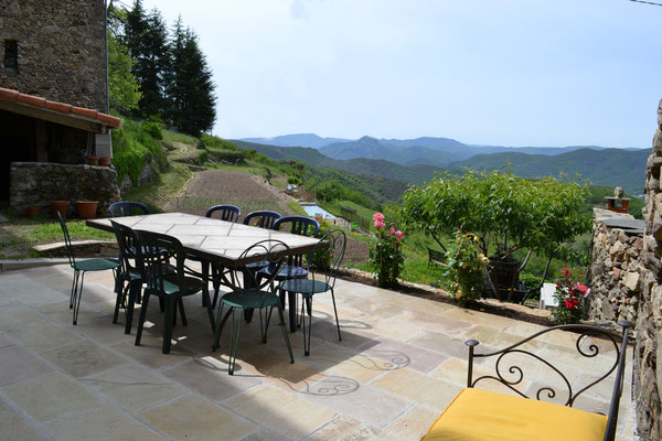 La terrasse vue sur la vallée