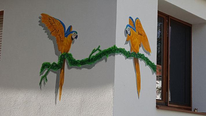 Casa de los Pajaros, Acryl auf Außenwand, 2017, Privat - 1230 Wien