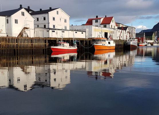 Hafen von Henningsvær