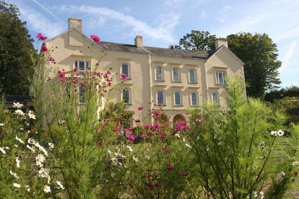 Aberglasney Gardens © Visit Wales