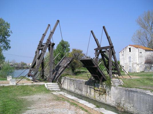 Brücke in Arles, Provence