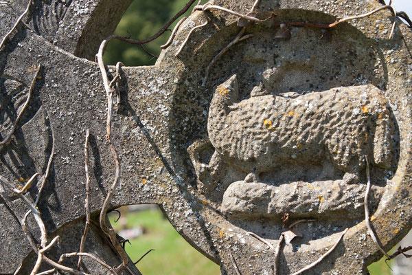 altes Grabkreuz