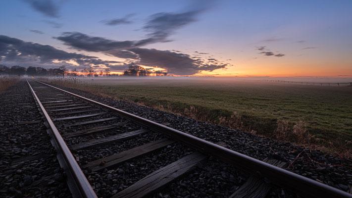 Abendstimmung an der Moorexpress-Strecke.