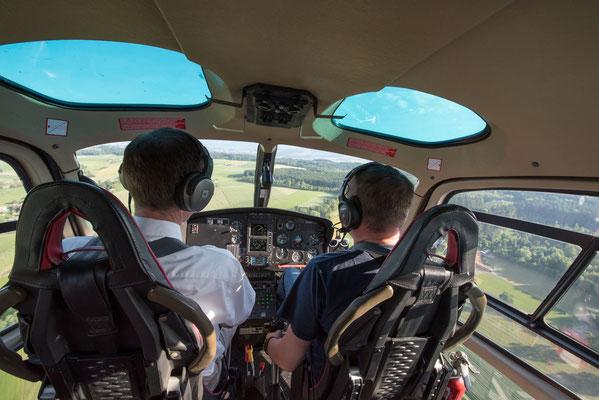 Im Helikopter beim Flug
