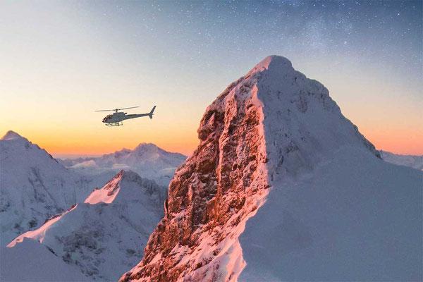 Sonnenaufgang Helikopterflug