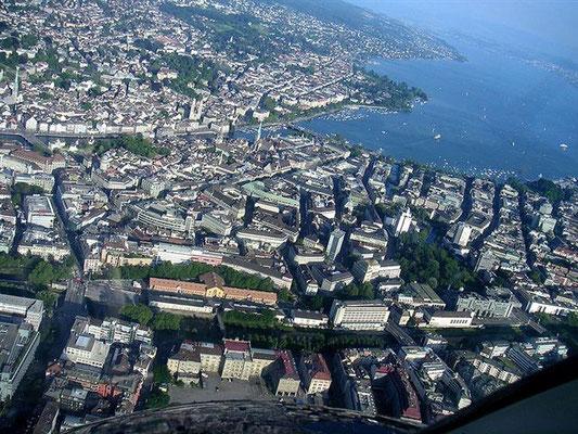 Helikopter Rundflug ab Flugplatz Zürich