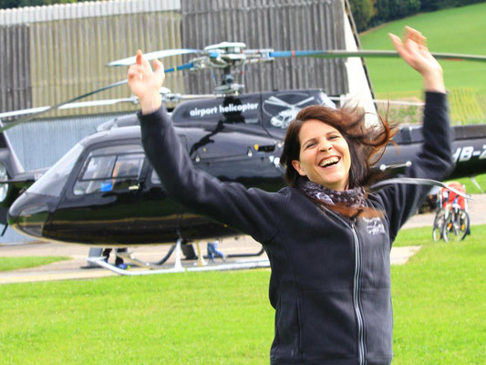 Freude bei Helikopterrundflug
