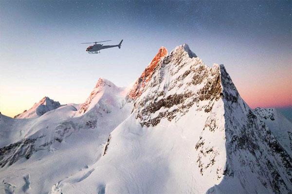 Helikopter vor Jungfrau