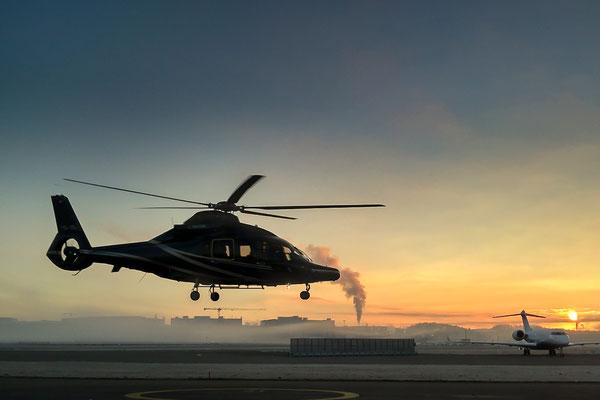Am Ende eines langen Arbeitstages in Helikopter
