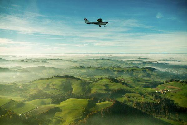Kleinflugzeug in der Luft