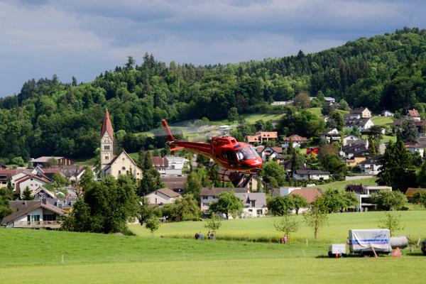 Helikopterstart in Wohlenschwil