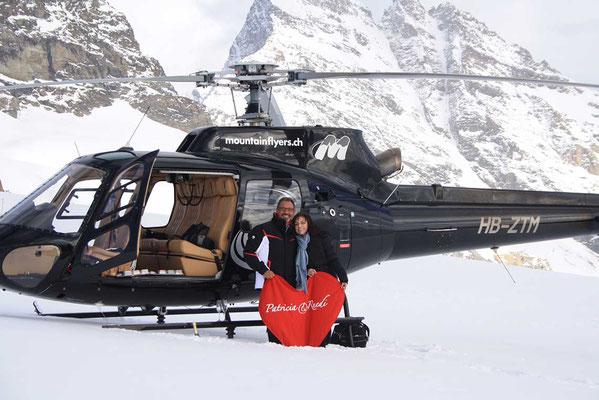 Heiratsantrag Helikopterflug auf Gletscher
