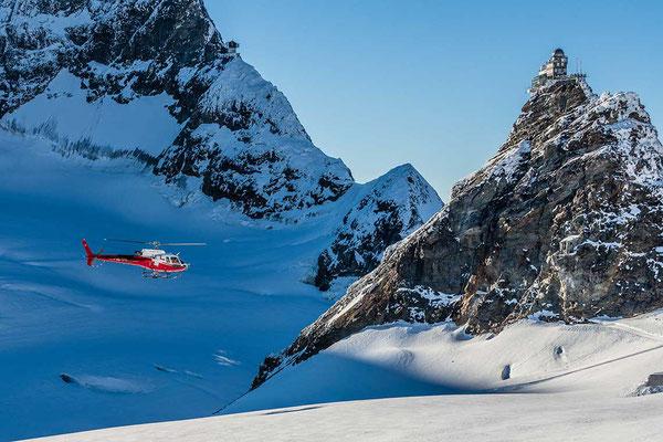 Landung auf dem Jungfraujoch mit dem Helikopter