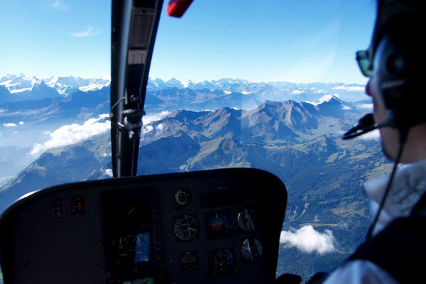 Helikopter Rundflug Cockpit Alpen