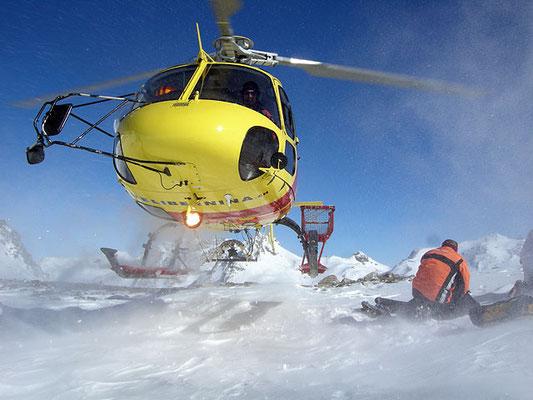 Helikopter Rundflug Engadin Landung