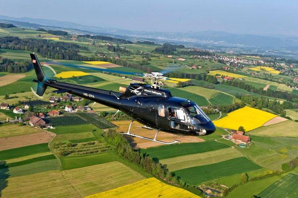 Helikopter bei Rundflug