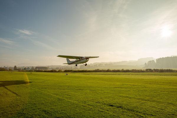 Start für Rundflug im Flugzeug