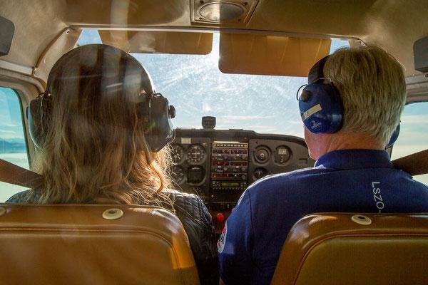 Fluggäste bei Rundflug
