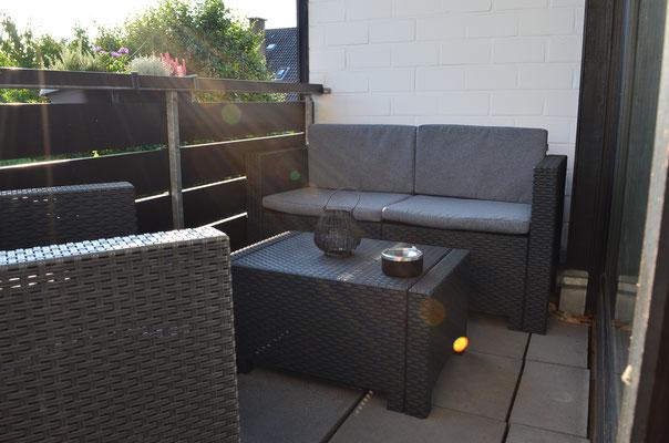 Der Balkon mit Lounge