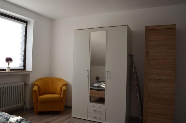 Schlafzimmer die Kleiderschränke