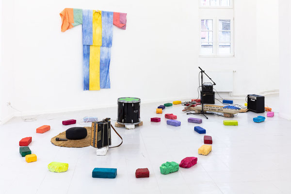 """""""The sound of coloured stones"""" von Sylvie Viain; Foto: Gustav Franz"""