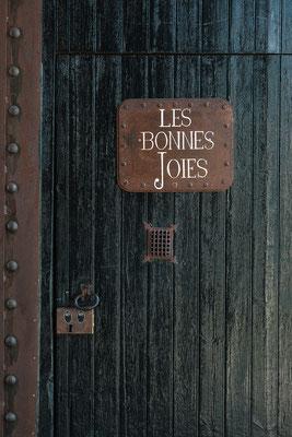 Par Sophie Brioude,  Domaine Les Bonnes joies , Mariage Industriel, Mariage nature, Mariage Bohème, Mariage Dordogne, Bordeaux, Lyon, Limousin, Wedding Planner