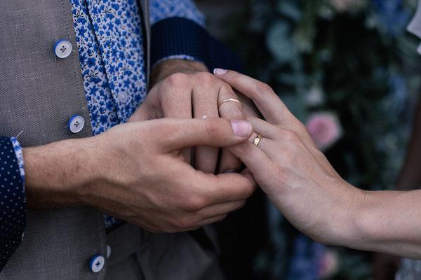 Par Sophie Brioude, Cérémonie laïque, officiante , Mariage Industriel, Mariage nature, Mariage Bohème, Mariage Dordogne, Bordeaux, Lyon, Limousin, Wedding Planner