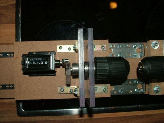 Spulenwickelmaschine - Detailansicht Rechte Bohrfutter mit Motor 06