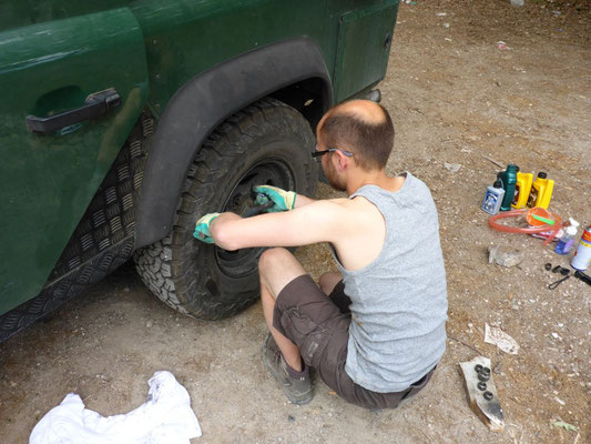 As an overlander you have to check your bolts once in a while to prevent accidents