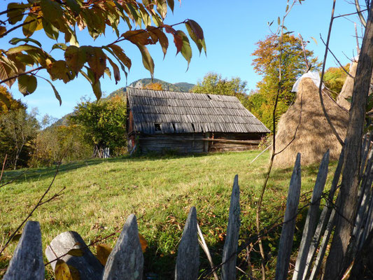 The Romanian hills and barns mesmerize us