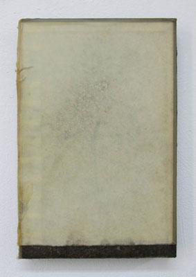 MELANCOLIA  2018  本・蜜蝋:book・wax  h. 23.7 × w. 15.7 × d. 2.8 cm