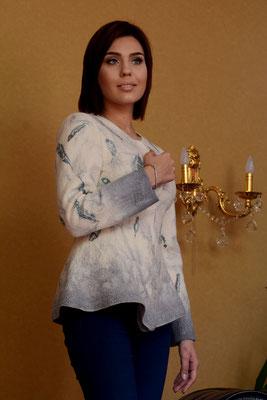 Жакет с перьями   $190