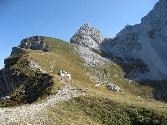 An der Lahnscharte am Ende der Mangartstraße, dem höchsten befahrbaren Punkt der Julischen Alpen