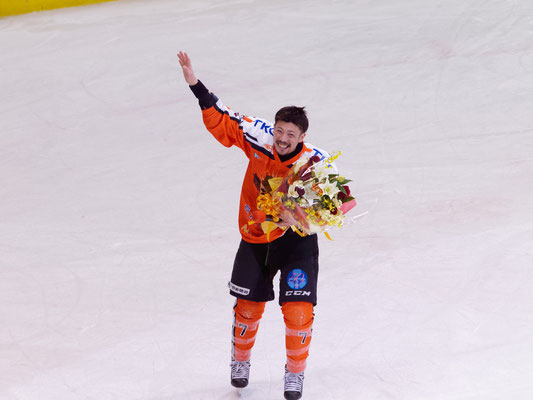 アイスバックス#7福沢選手の引退セレモニー