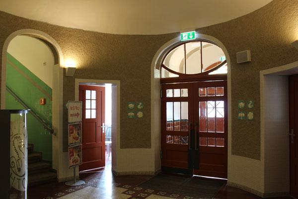 Stadtbad Gotha: Jugendstil am Eingang