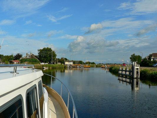Auf dem Noordhollandsch Kanaal, Richtung Norden