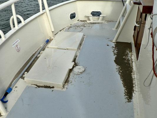 Sandkasten vom Sturm an Bord