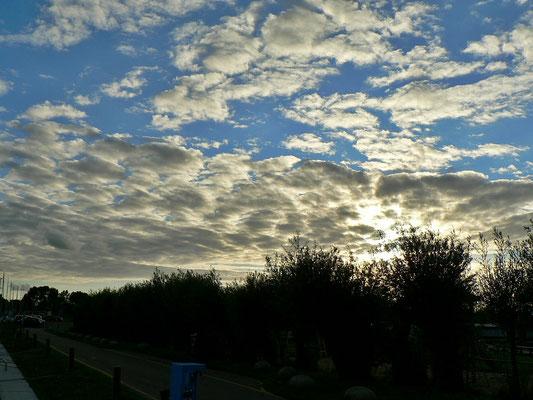 Die Sonne geht langsam unter