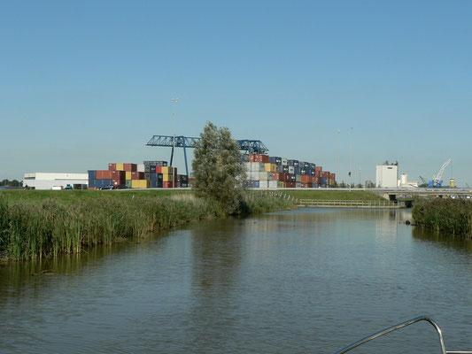 Auf dem Sneeker Trekvaart of Swette, Richtung Leeuwarden