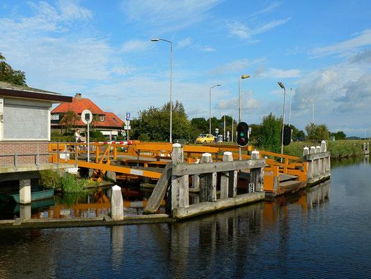Eine von vielen Pontongbrücken