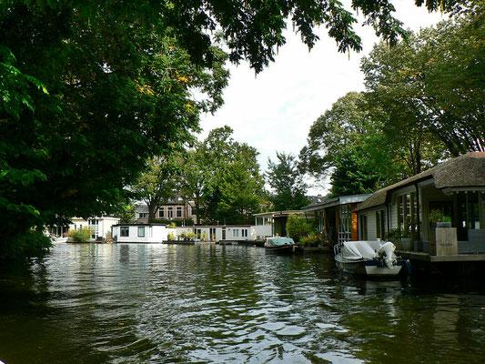 Hausboote auf den Zijlsingel
