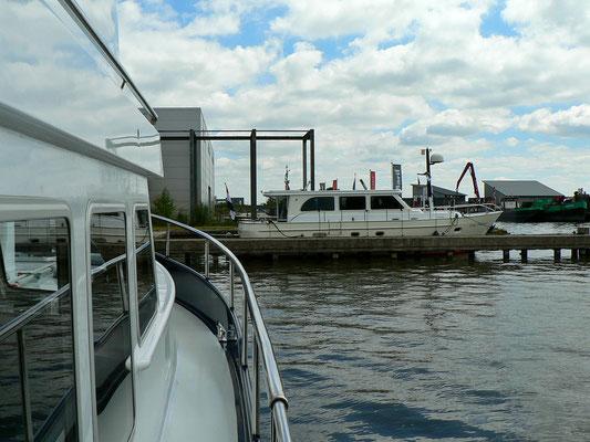 Im Hafen von Molenaar Yachtcharter