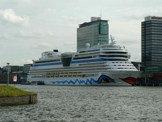 Cruiser Terminal Amsterdam