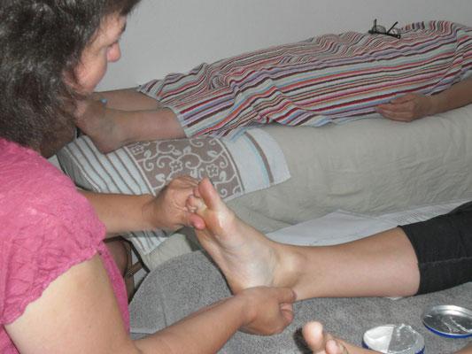 Energetische Massage der Fußreflexzonen