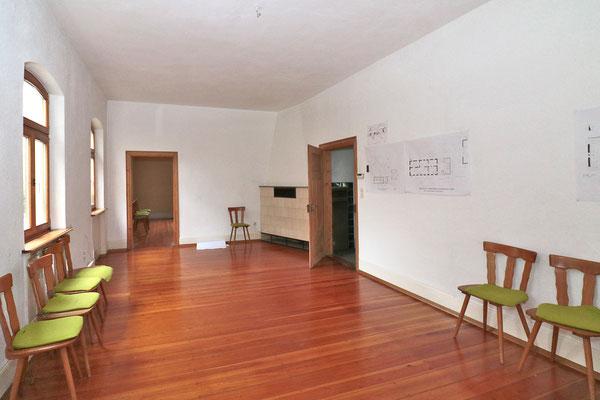 Diesen Raum mit den Maßen ca. 4x8 m. sollen der PWV und der Fotoclub gemeinsam nutzen. Der kleine Raum hinten ist als Teeküche gedacht.