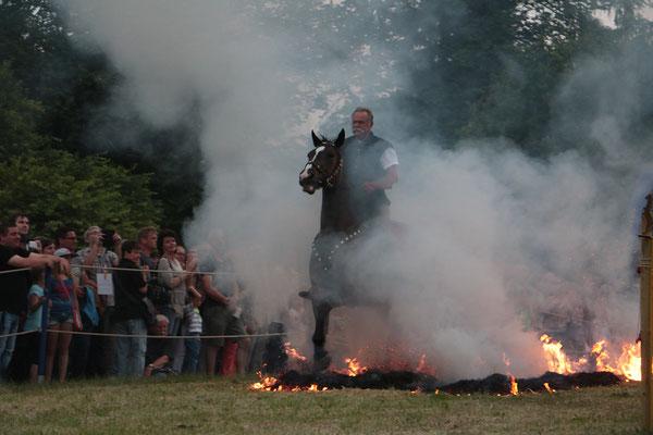 Bei der Feuershow im Forstgarten